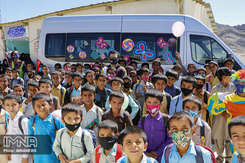 """ایستگاه جشنواره کودک در شهر """"بنت"""""""