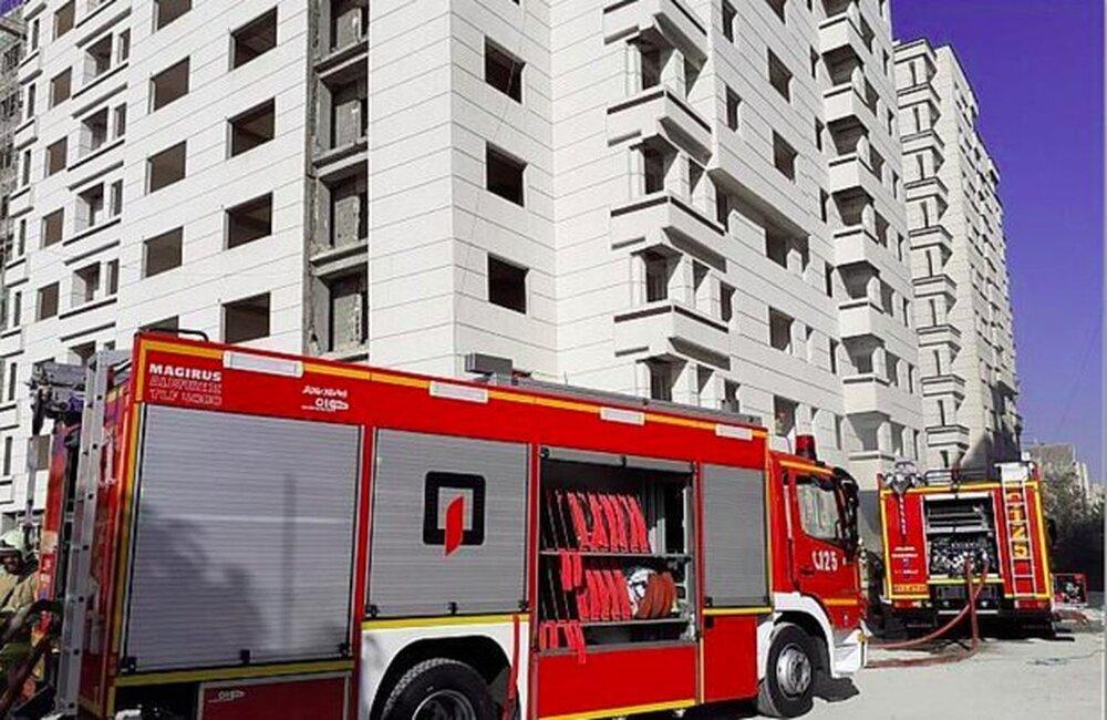 برگزاری مانور آتشنشانی در پارکینگهای طبقاتی سمنان