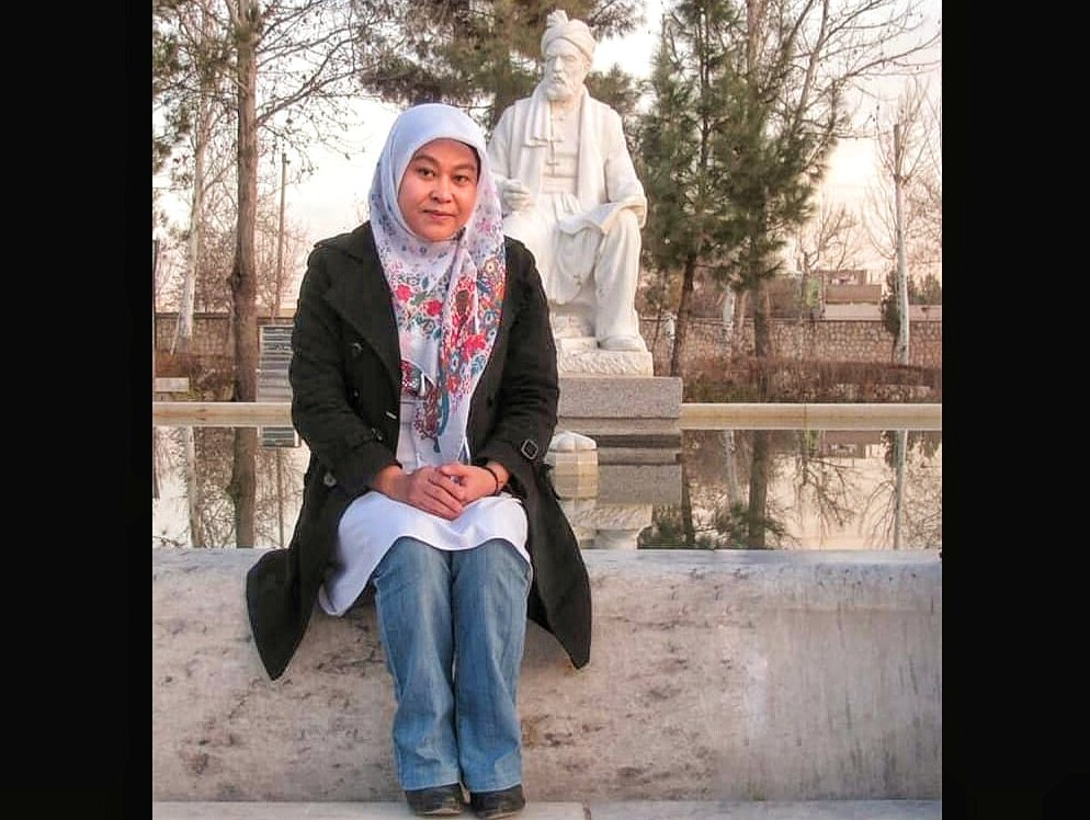 شاعران ایرانی بر شاعران مهاجر تاثیر گذاشتهاند/ آثار حافظ و سعدی را با احترام ورق میزنیم