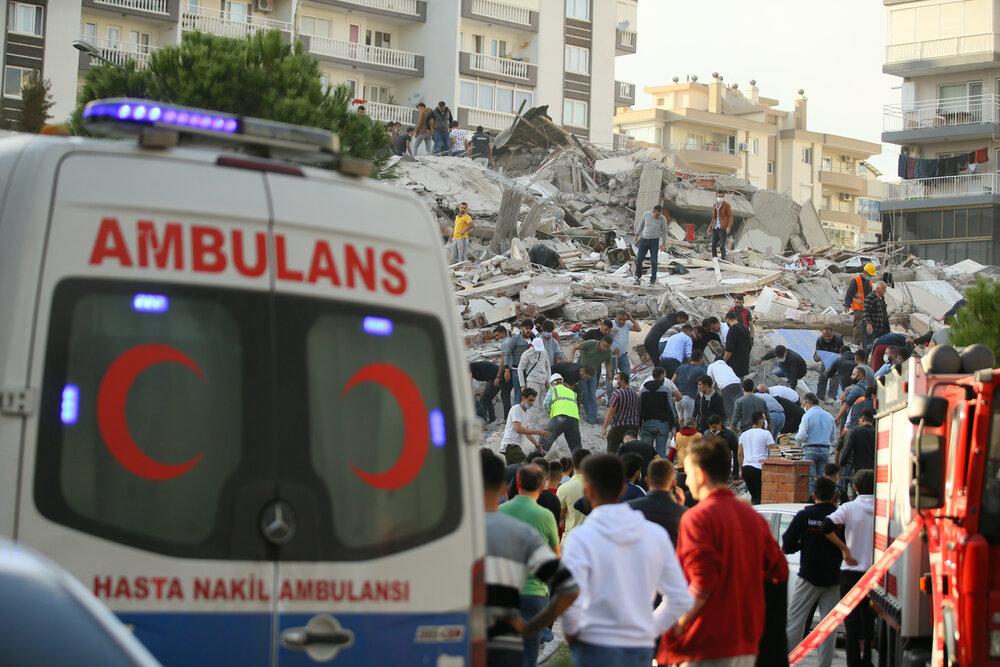 نجات دختربچه ۳ ساله از زیر آوار پس از ۶۵ ساعت در ازمیر