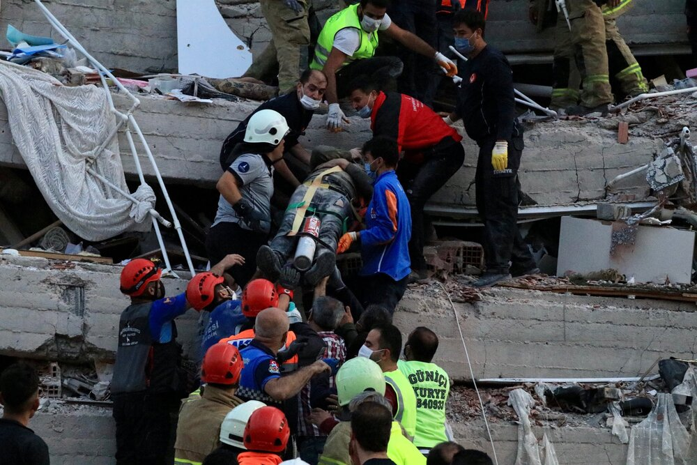 Rescue efforts continue in earthquake - stricken Turkey, Greece