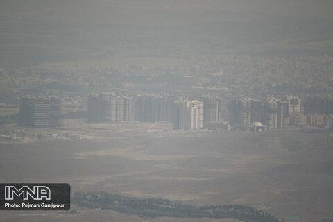 اصفهان همچنان در وضعیت قرمز آلودگی هوا