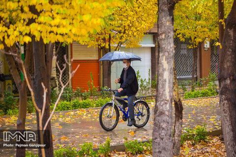 جداسازی مسیرهای عابرپیاده و دوچرخه در چهارباغ