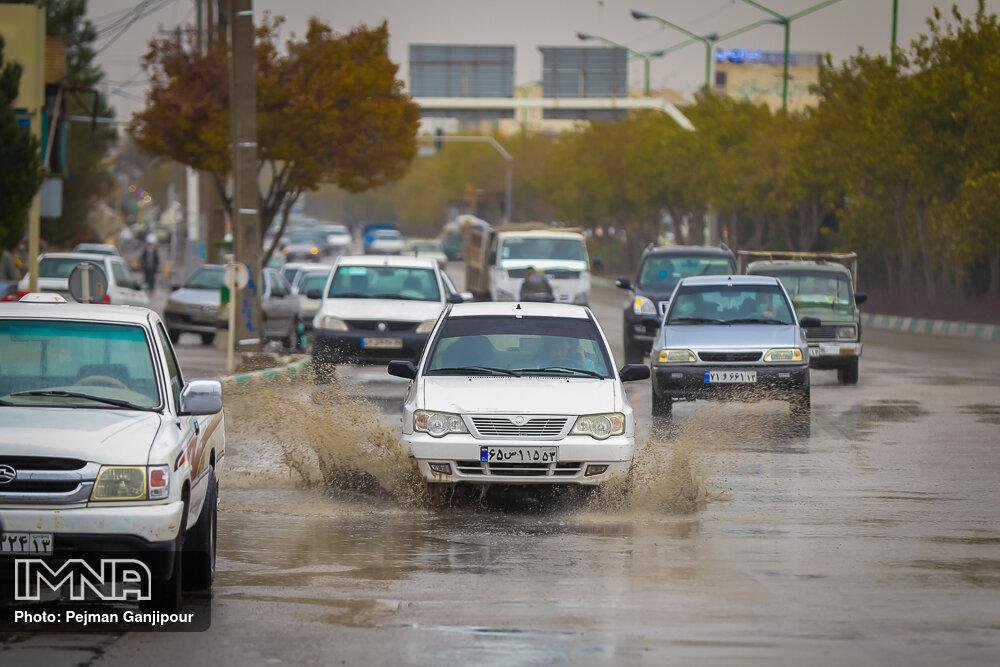 هشدار هواشناسی نسبت به بارش باران و وزش باد شدید در برخی مناطق کشور