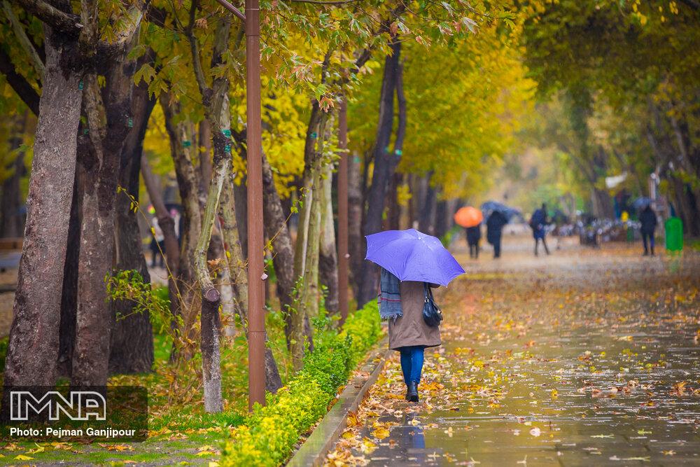 وزش باد و باران استان اصفهان را فرا میگیرد
