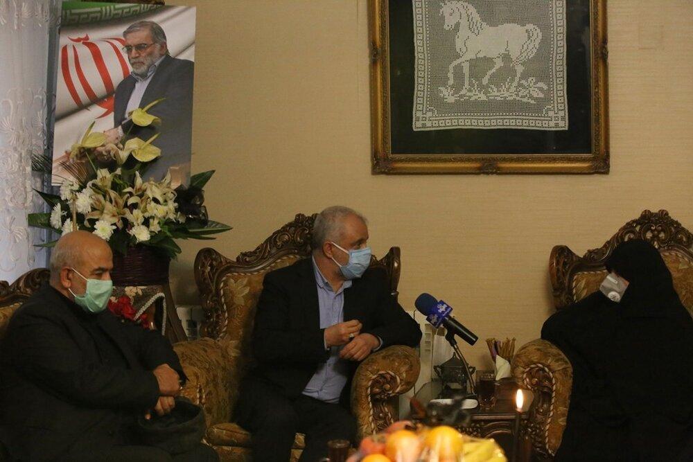 حضور رییس بنیاد شهید و امور ایثارگران در منزل شهید فخریزاده