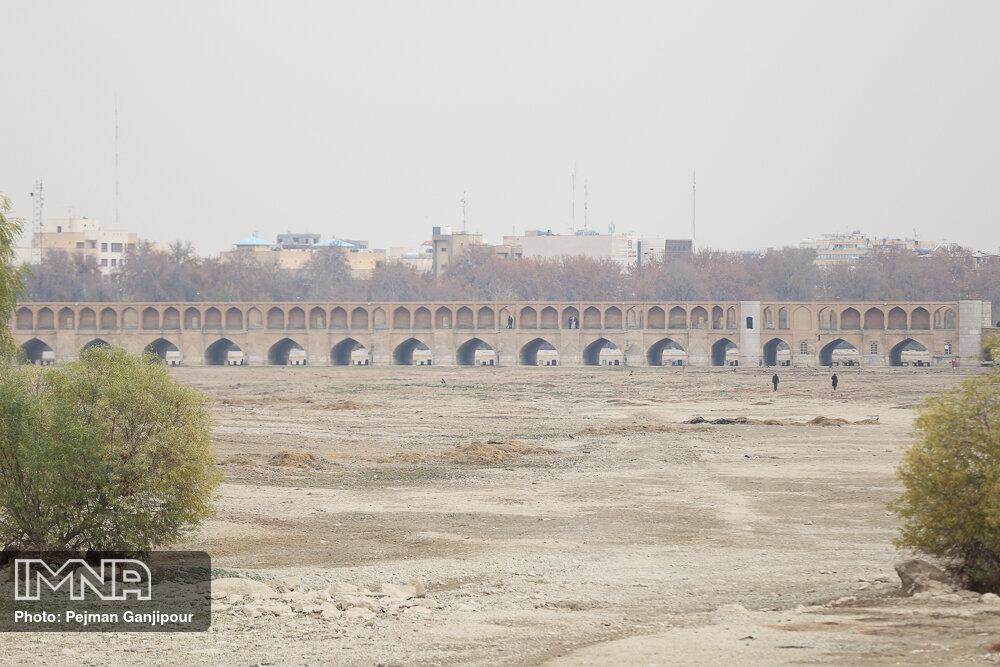 هواشناسی: آلودگی هوای اصفهان از پنجشنبه کم میشود