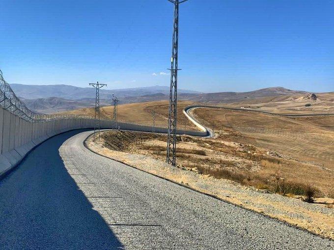ساخت دیوار آغری-ایران پایان یافت