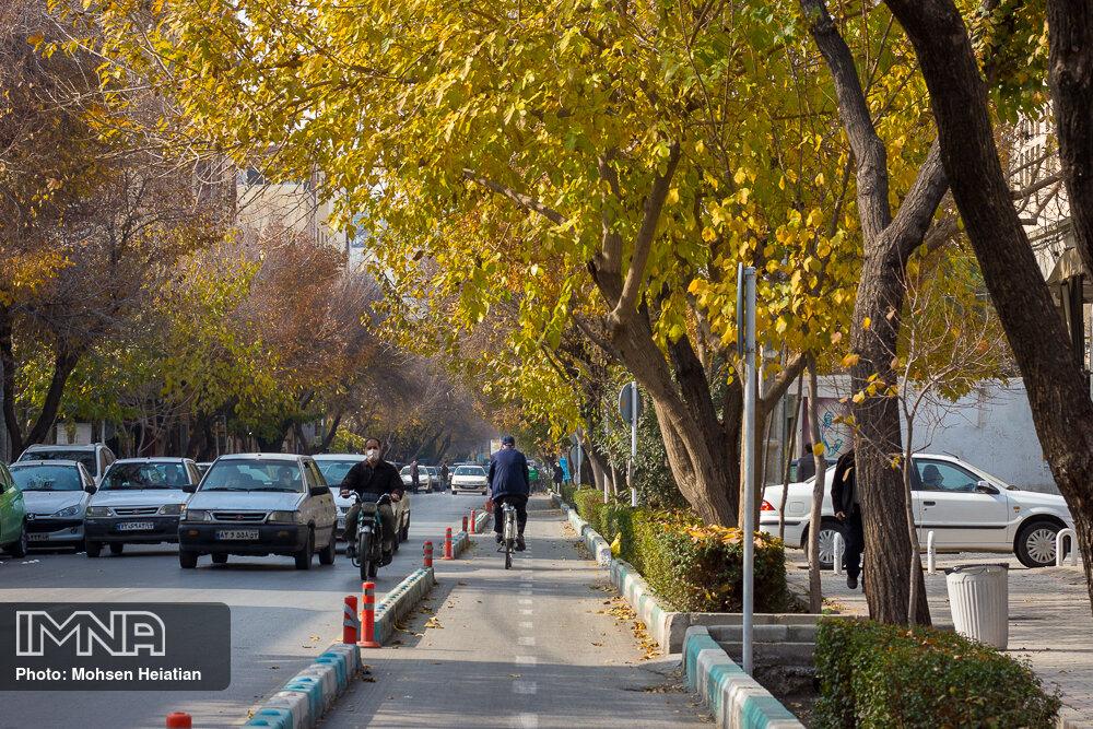 احداث بیش از ۴۹ کیلومتر مسیر دوچرخهسواری در بوستانهای مشهد