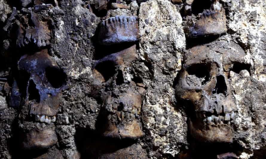 کشف برجهایی از اسکلت انسان در مکزیک