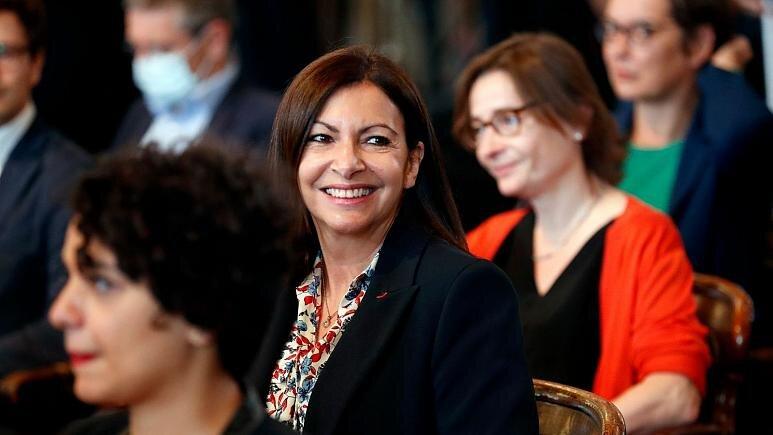 شهرداری پاریس به دلیل انتصاب بیش از حد مدیران زن ۹۰ هزار یورو جریمه شد