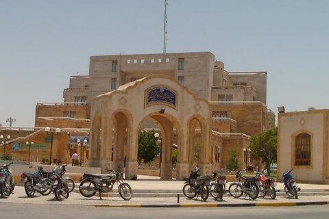 بازسازی و رنگآمیزی آلاچیقهای ساحل بوشهر