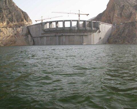 کاهش ۴۳ درصدی آب مخزن سد زایندهرود نسبت به سال گذشته