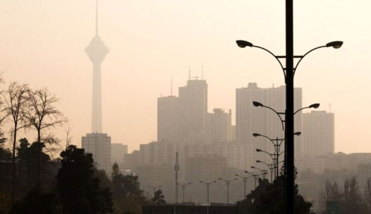 وزش باد شدید در ۲۱ استان/ احتمال بارش تگرگ در ۱۳ استان