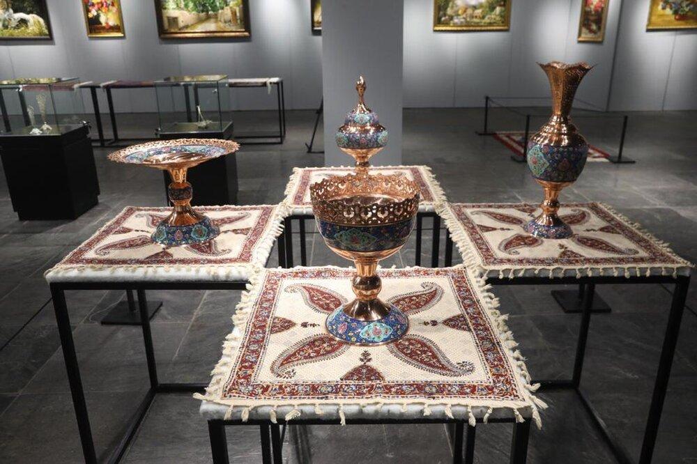 برگزاری نمایشگاه حکاکی روی فلز در وزارت میراثفرهنگی و صنایع دستی