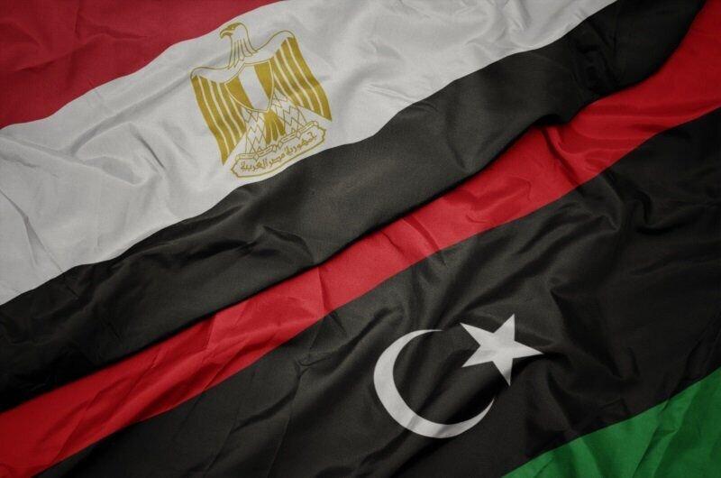 یک هیئت بلندپایه مصر وارد لیبی شد