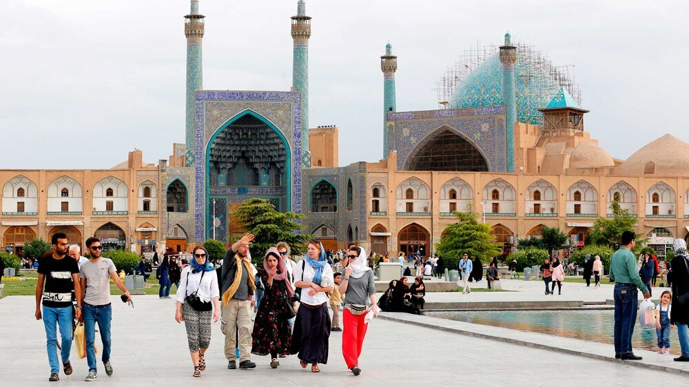 Strengthening creative tourism infrastructure in Iranian metropolises