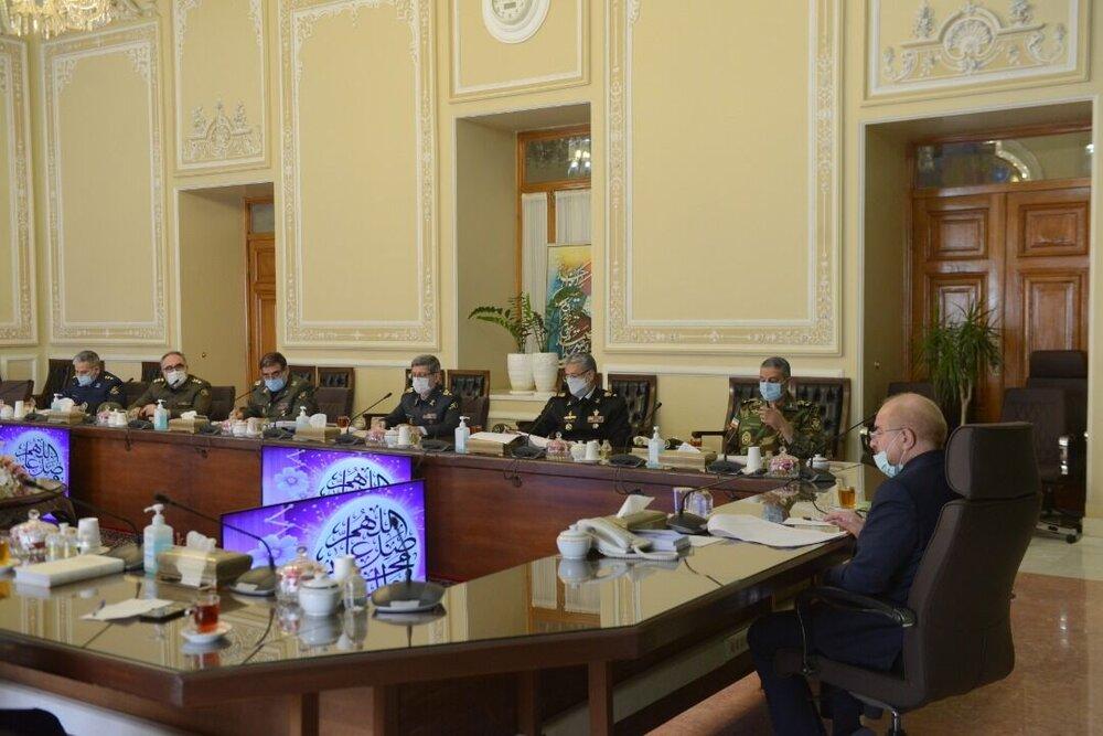 فرمانده کل ارتش با رییس مجلس شورای اسلامی دیدار کرد