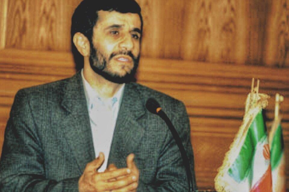 خاطرهبازی روزنامه ایران با انتخاب احمدینژاد