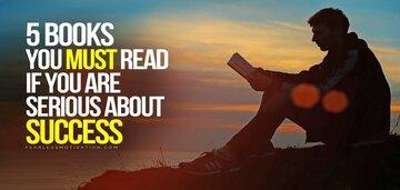 این ۵ کتاب عاداتی را معرفی میکند که به انسانهایی برتر از دیگران تبدیل میشوید