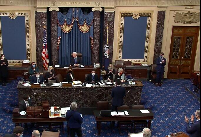 نشست کنگره برای تایید نایجه انتخابات ۲۰۲۰ آمریکا از سر گرفته شد
