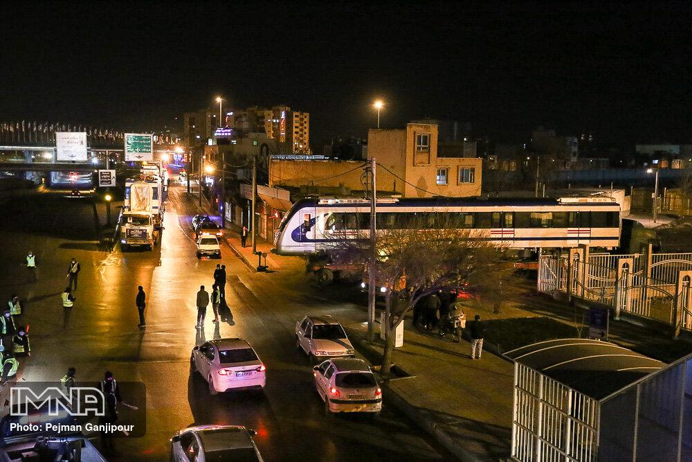 ورود نخستین رام قطار شهری به اصفهان