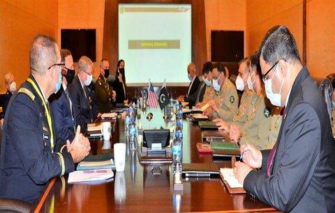 سفر معاون وزیر دفاع آمریکا به پاکستان