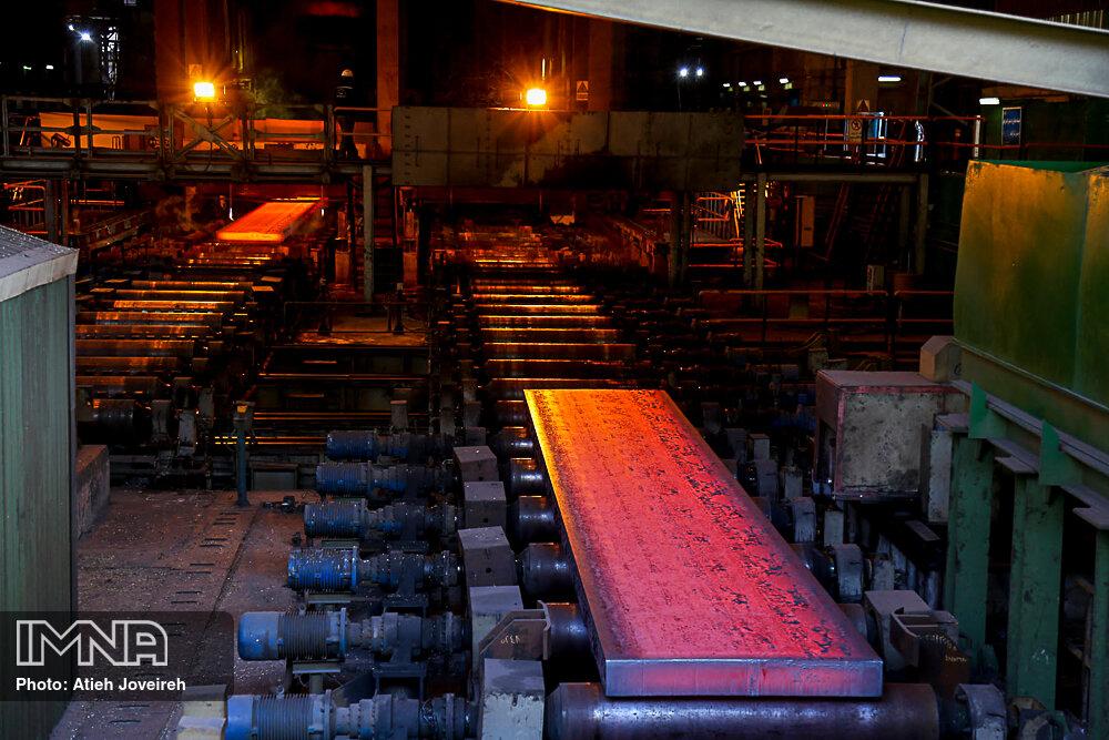 هزینههای مالی فولاد مبارکه کاهش مییابد