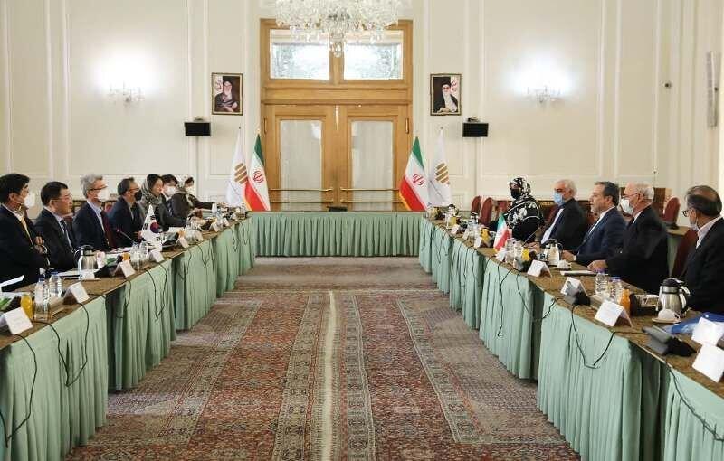 قائم مقام وزیر امور خارجه کره جنوبی با عراقچی دیدار کرد