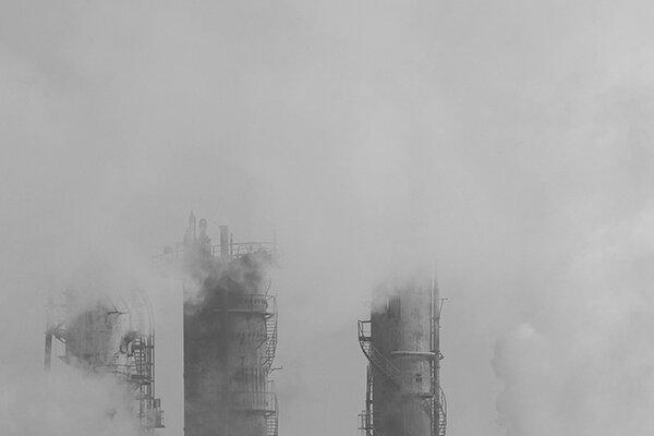 نیروگاه سیکل ترکیبی یکی از علل مهم آلودگی هوای قم است
