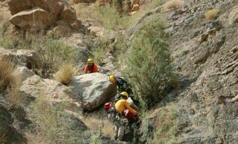 کشف جسد مرد ۷۰ ساله در ارتفاعات شهر فرادنبه