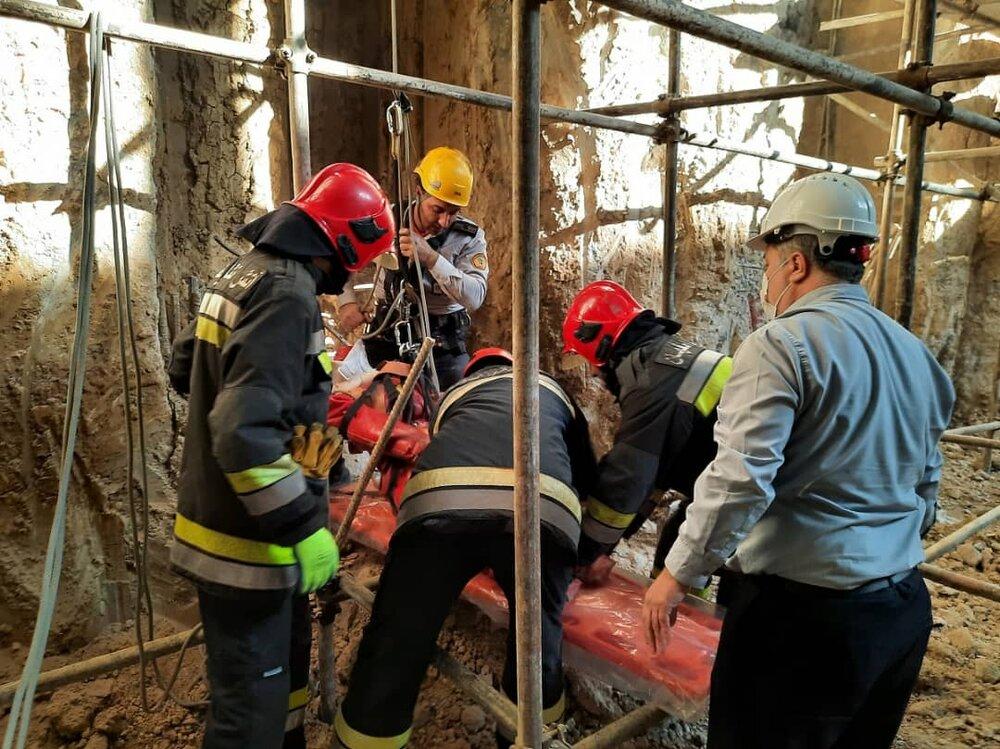 اجرای مانور فرضی نیروهای آتشنشانی در ایستگاه مترو شهید خرازی