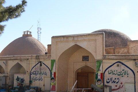 برچیده شدن دیوارهای پیرامونی کاروانسرای شاه عباسی سمنان