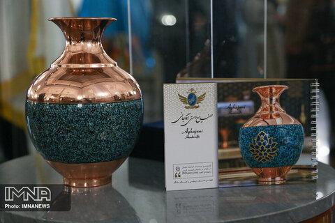 برگزیدگان جشنواره بینالمللی صنایع دستی معرفی شدند