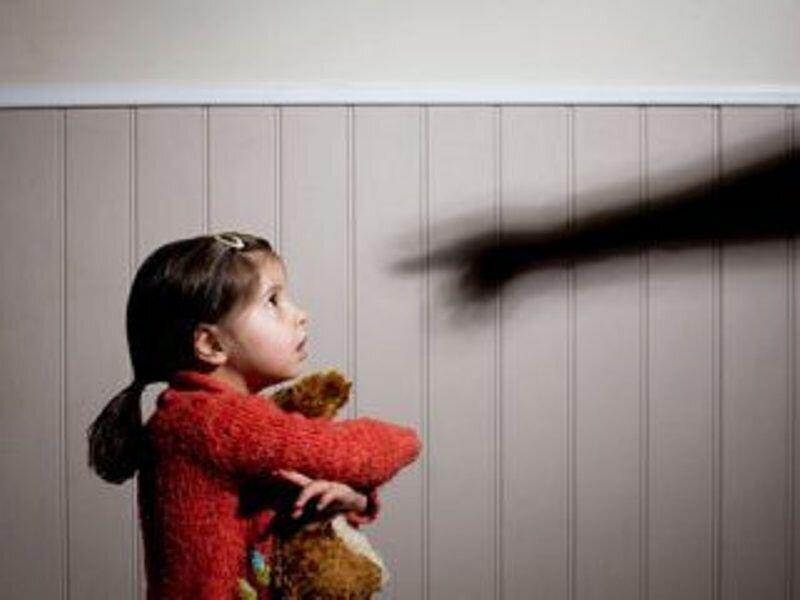 راهکار جلوگیری از ارتکاب جرم کودکآزاری در خانواده چیست؟