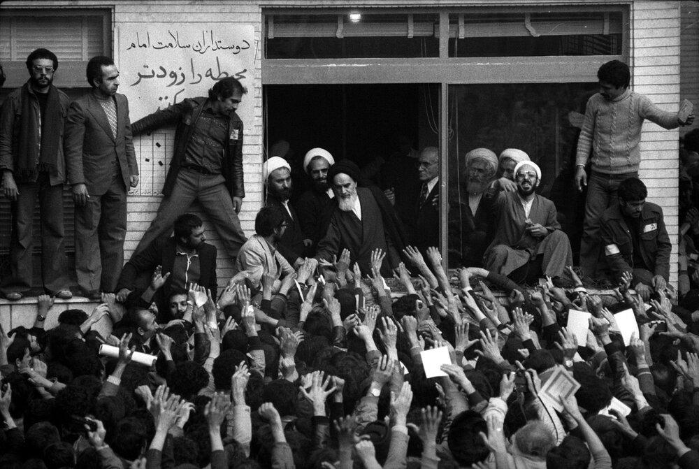 یک روز پس ورود امام خمینی(ره) به ایران چه گذشت؟