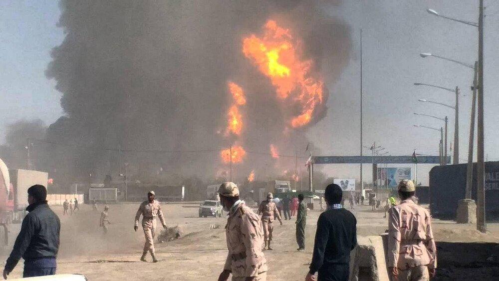 حداقل ۱۰۰۰ کامیون در انفجارهای گمرک مرز دوغارون سوختند