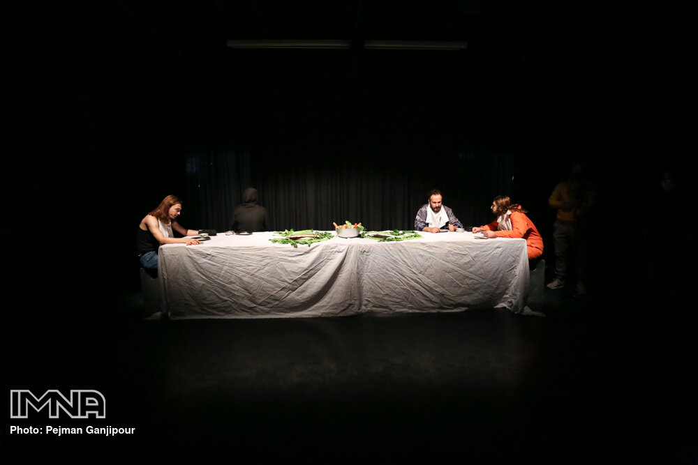 تئاتر اصفهان و سه روایت از یک رنج