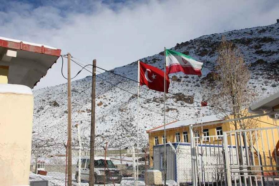 بررسی امکان سفر بدون نیاز به گذرنامه بین شهروندان ترکیه و ایران