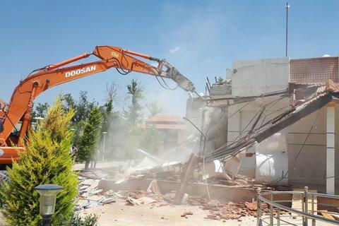 تخریب ۴ باب مغازه در شهرکرد
