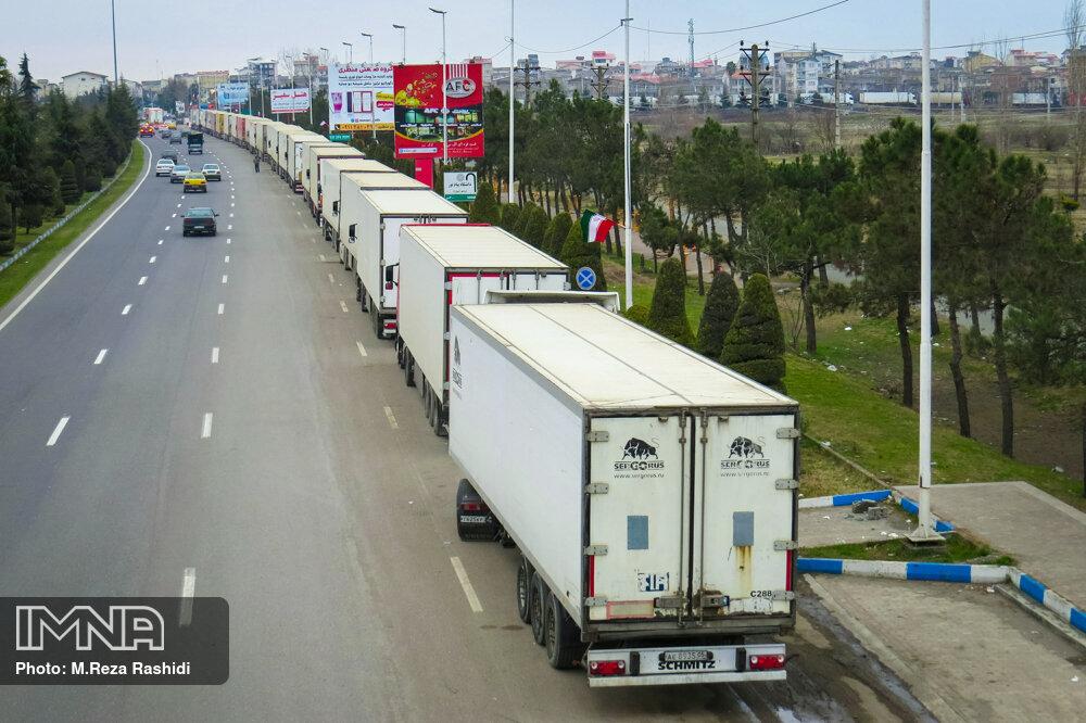 تردد کامیونهای صادرات کالا از مرز آستارا ۴۶ درصد افزایش یافت