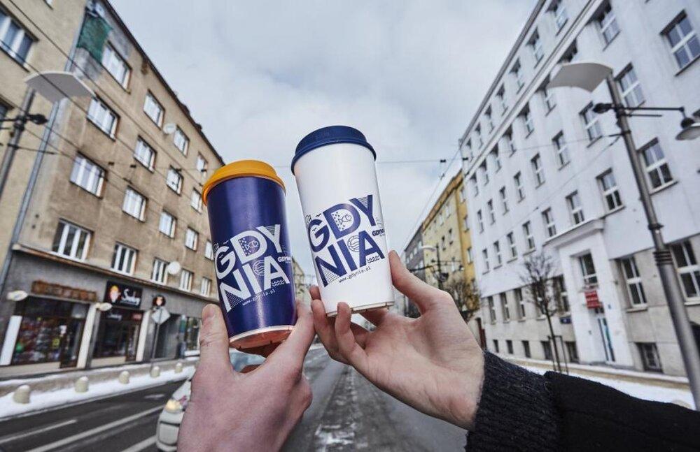 گدنیا، بطریهای بازیافتی شهر را وارد کافهها میکند
