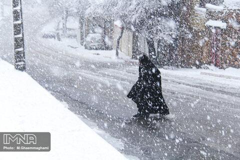 آمادهباش ستاد مدیریت بحران آستارا همزمان با بارش برف