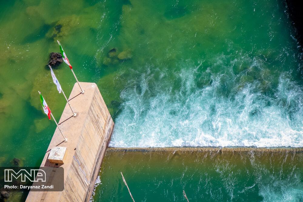 وعده مسئولان برای رهاسازی ۱۰ روزه آب سد زایندهرود