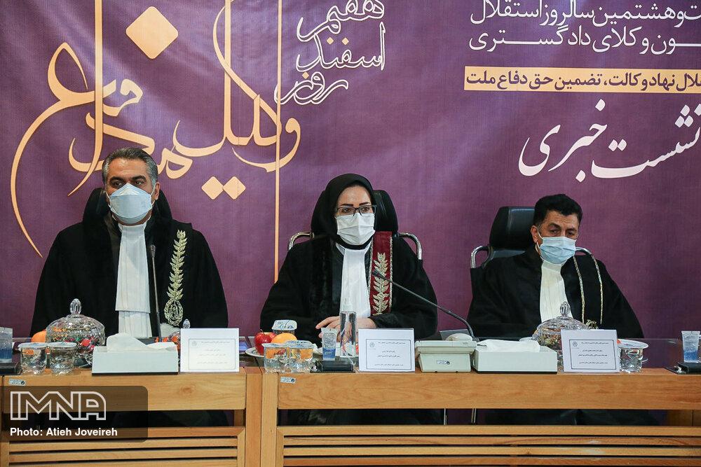 استقلال کانون وکلا تضعیف شده است/با الحاق مرکز وکلای قوه قضائیه به کانون موافقیم