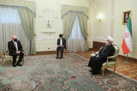 روحانی: شرکتهای خصوصی ایران و اسلواکی پیشگام گسترش همکاریها باشند