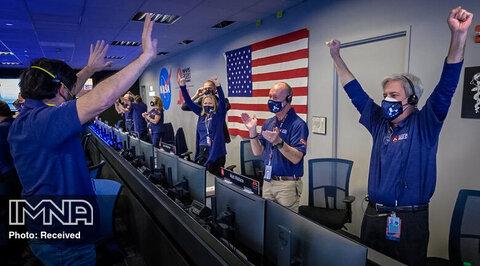 خوشحالی کارکنان سازمان ناسا پس از دریافت نخستین عکس های ارسال مریخنورد