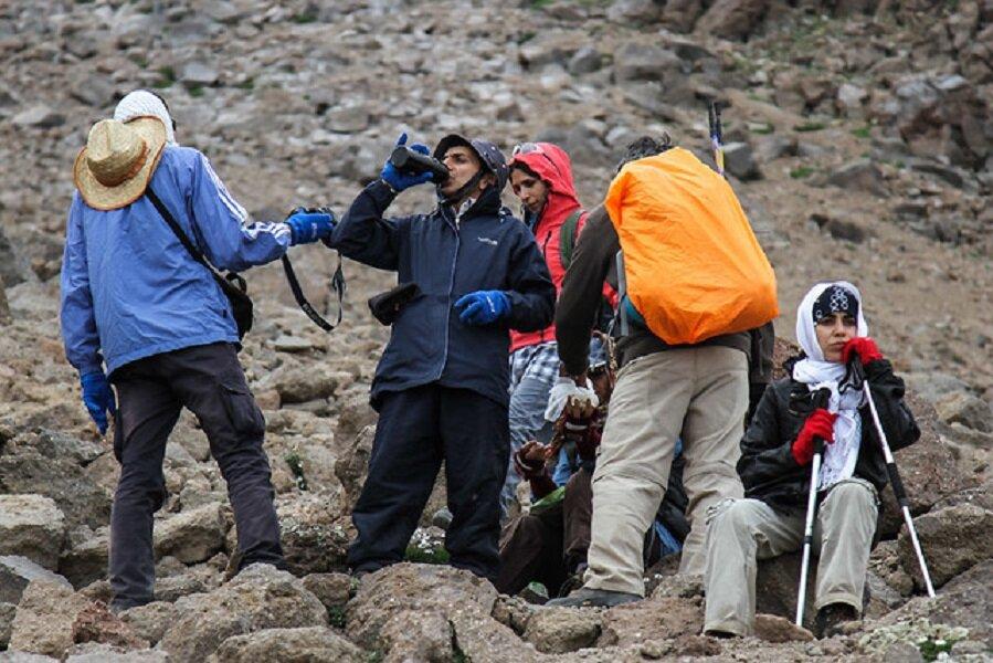 استفاده بانوان سنگ نورد از کوه سفید درچه ممنوع شد/هیات کوهنوردی استان دنبال مسیری جدید