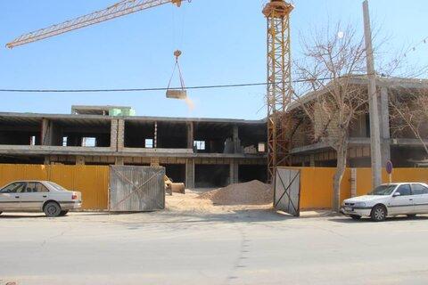 پیشرفت ۴۰ درصدی پروژه مجموعه تجارتی و پارکینگ طبقاتی خورشید شهر