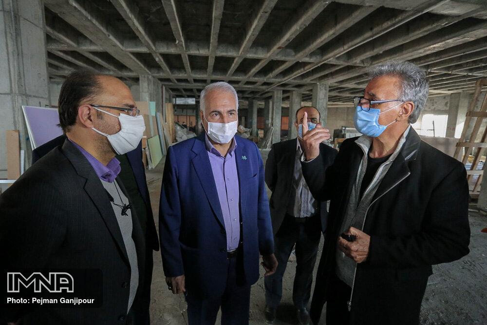 بازدید شهردار اصفهان از پروژه های مشارکتی